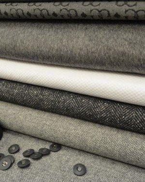 Серые пальтовые ткани