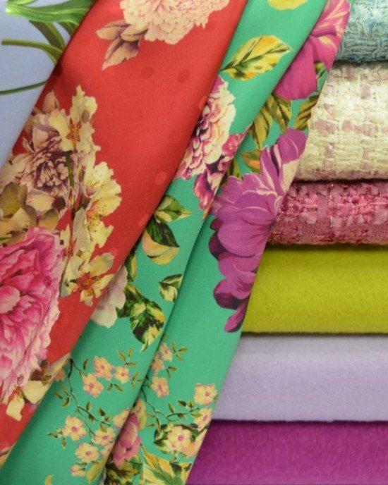 Разноцветные пальтовые ткани