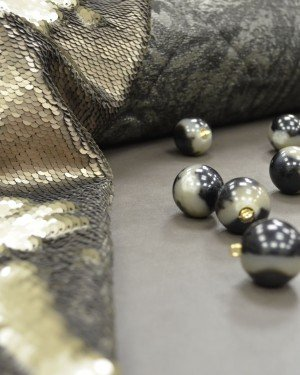 Ткань с пайетками «чешуя»