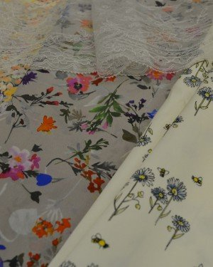Ткань вискоза с цветочным принтом
